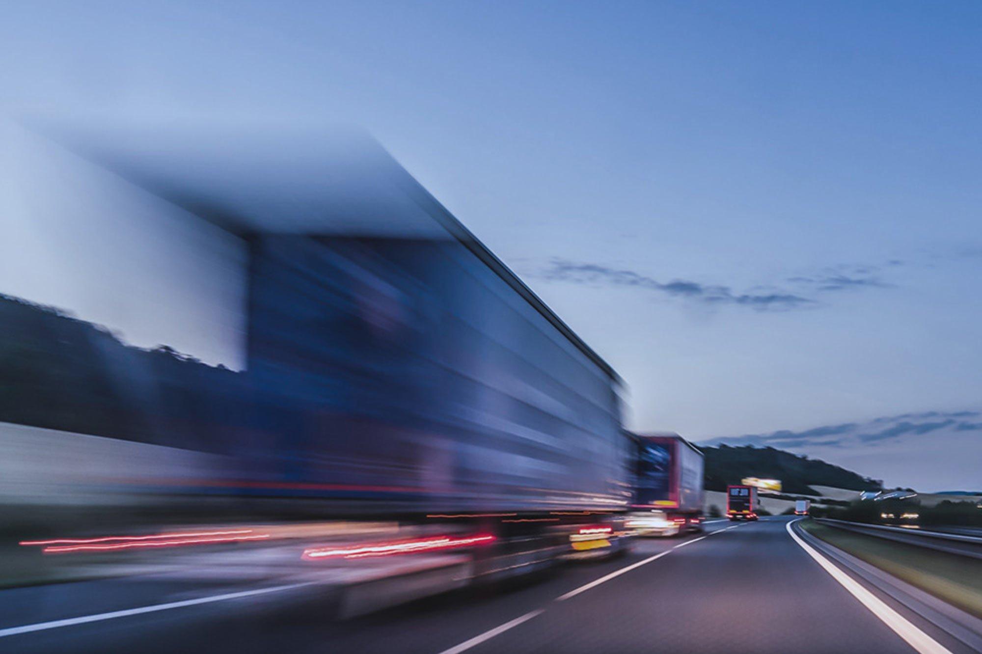 Conheça algumas práticas para gerenciar os riscos de acidentes no transporte de cargas